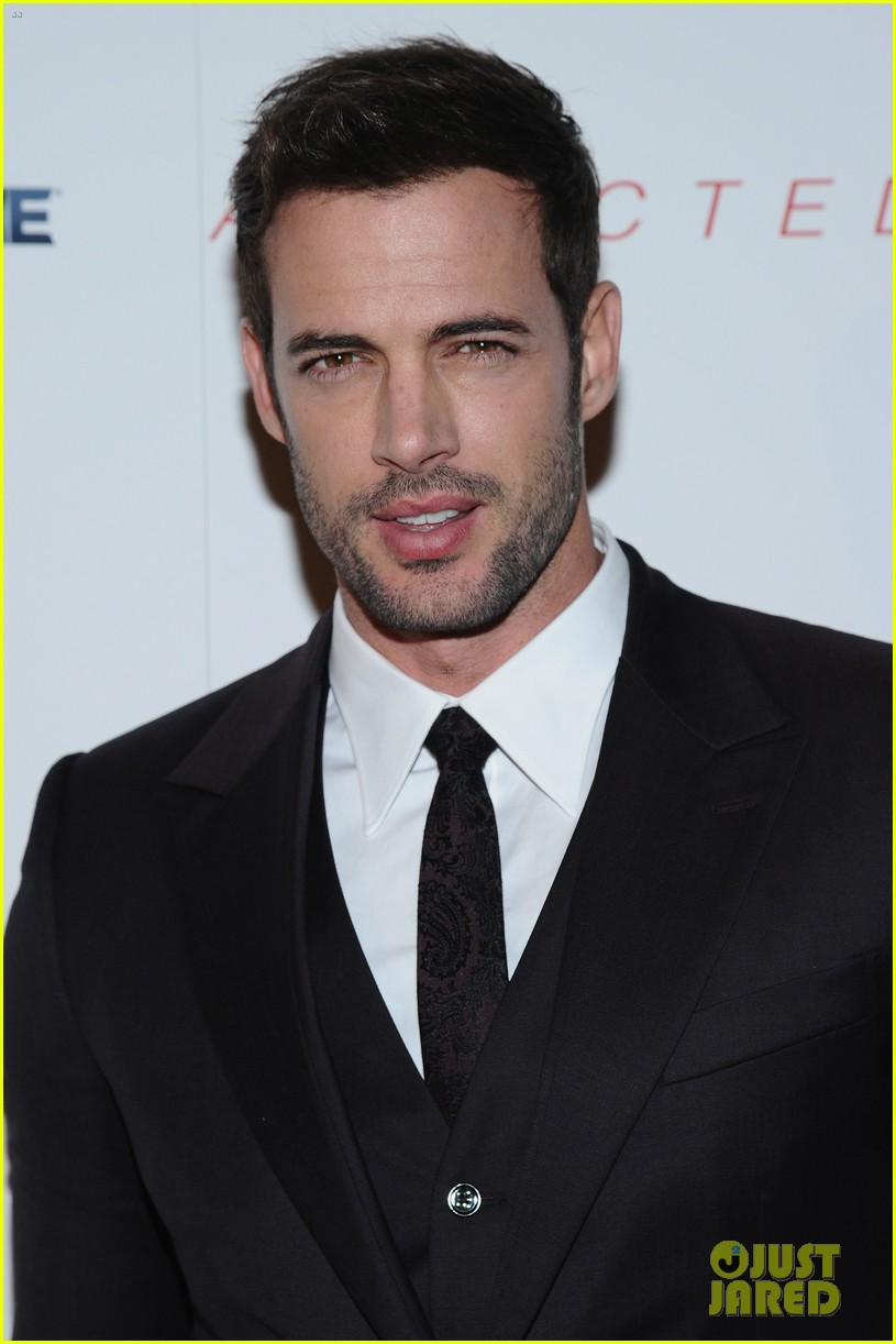 william levy tyson beckford heat up the red carpet at addicted 033214604
