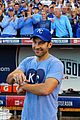 paul rudd celebrates kansas city baseball win by inviting world to a keggar 04