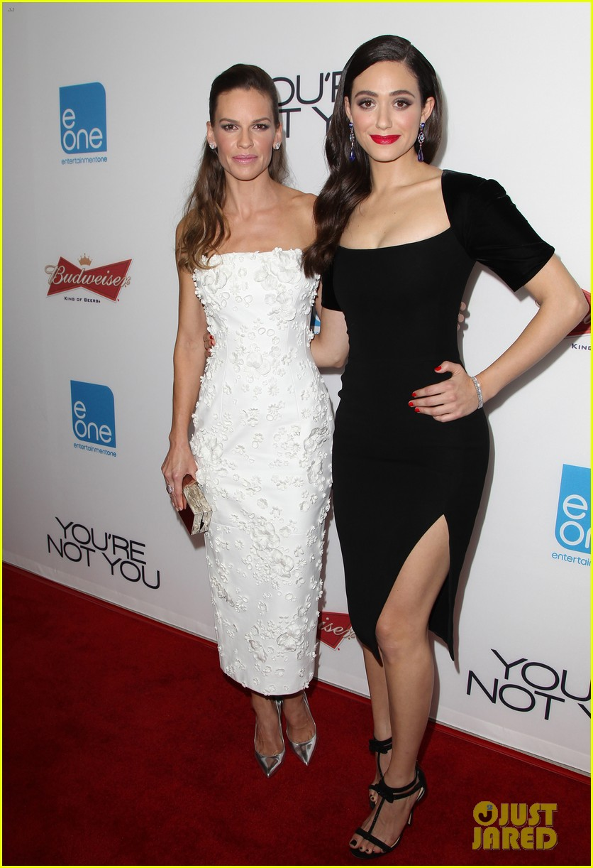 Hilary Swank Amp Emmy Rossum Bring Pure Class To You Re Not