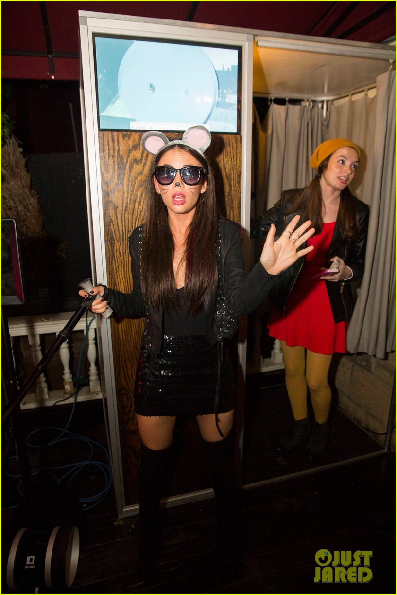 Ashley Madekwe & Janel Parrish Have Fun with Keek at Just Jared's ...