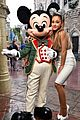 ariana grande sparkly minnie mouse ears disney world 04