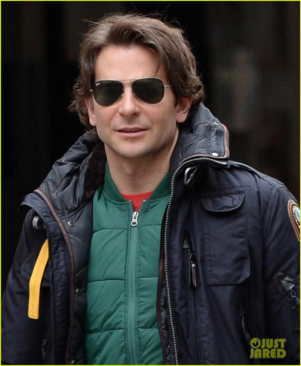 bradley cooper rides nyc subway the elephant man 053262090