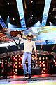 kenny chesney vince vaughn american country countdown awards 01