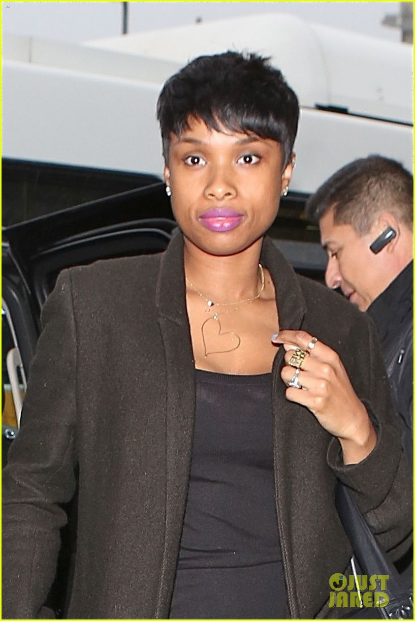 jennifer hudson gives back in big way 083254206