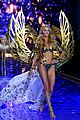 candice swanepoel lindsay ellingson victorias secret fashion show 2014 01