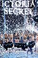 taylor swift ariana grande victorias secret fashion show 05