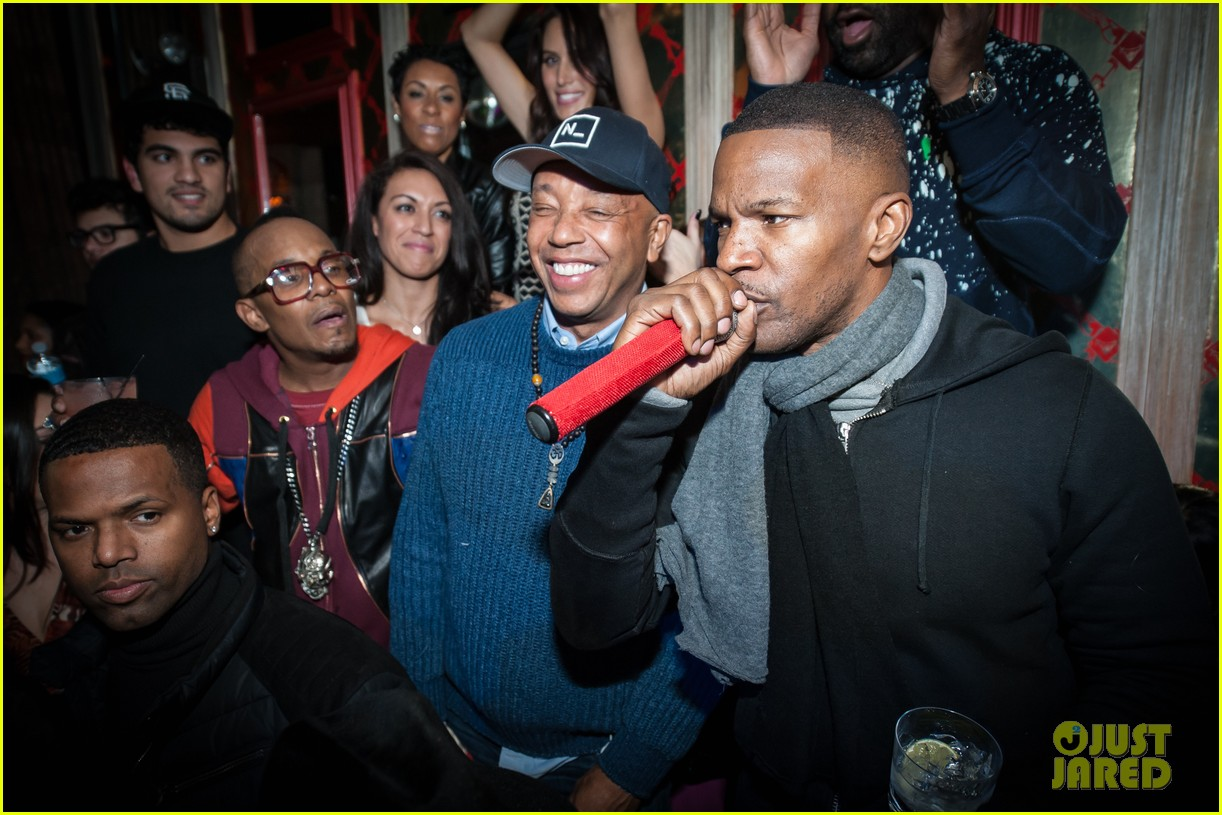 Kate Upton Helps Jamie Foxx Celebrate His 47th Birthday at Avenue in ...