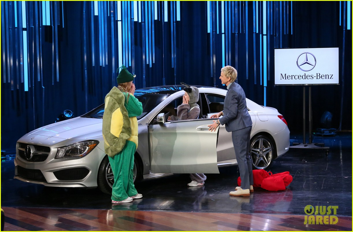 mercedes debuts super bowl ad on ellen show 2016 2016 car release. Black Bedroom Furniture Sets. Home Design Ideas