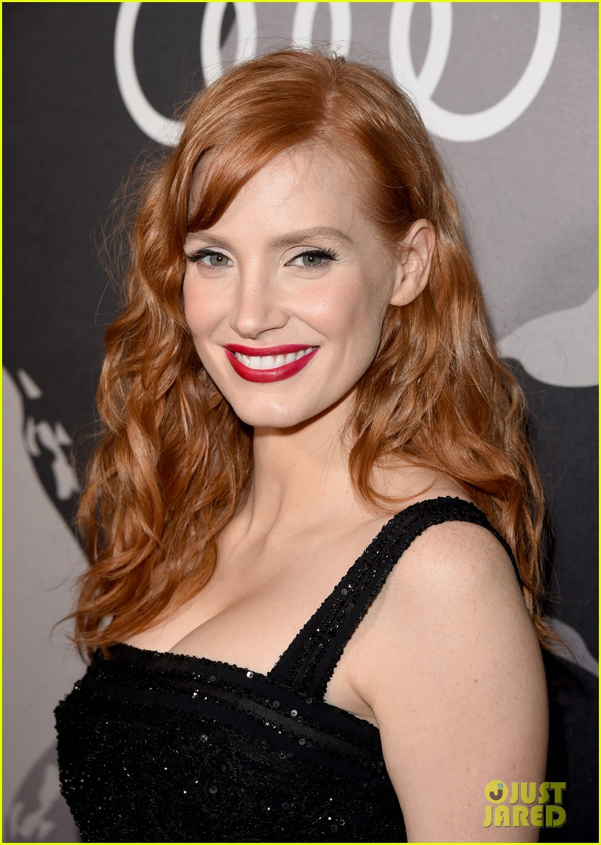 jessica chastain audi golden globes 2015 party 043275540