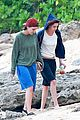 kristen stewart alicia cargile hold hands in hawaii 05