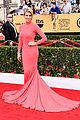 maria menounos goes gold for sag awards 2015 red carpet 03