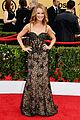 maria menounos goes gold for sag awards 2015 red carpet 24