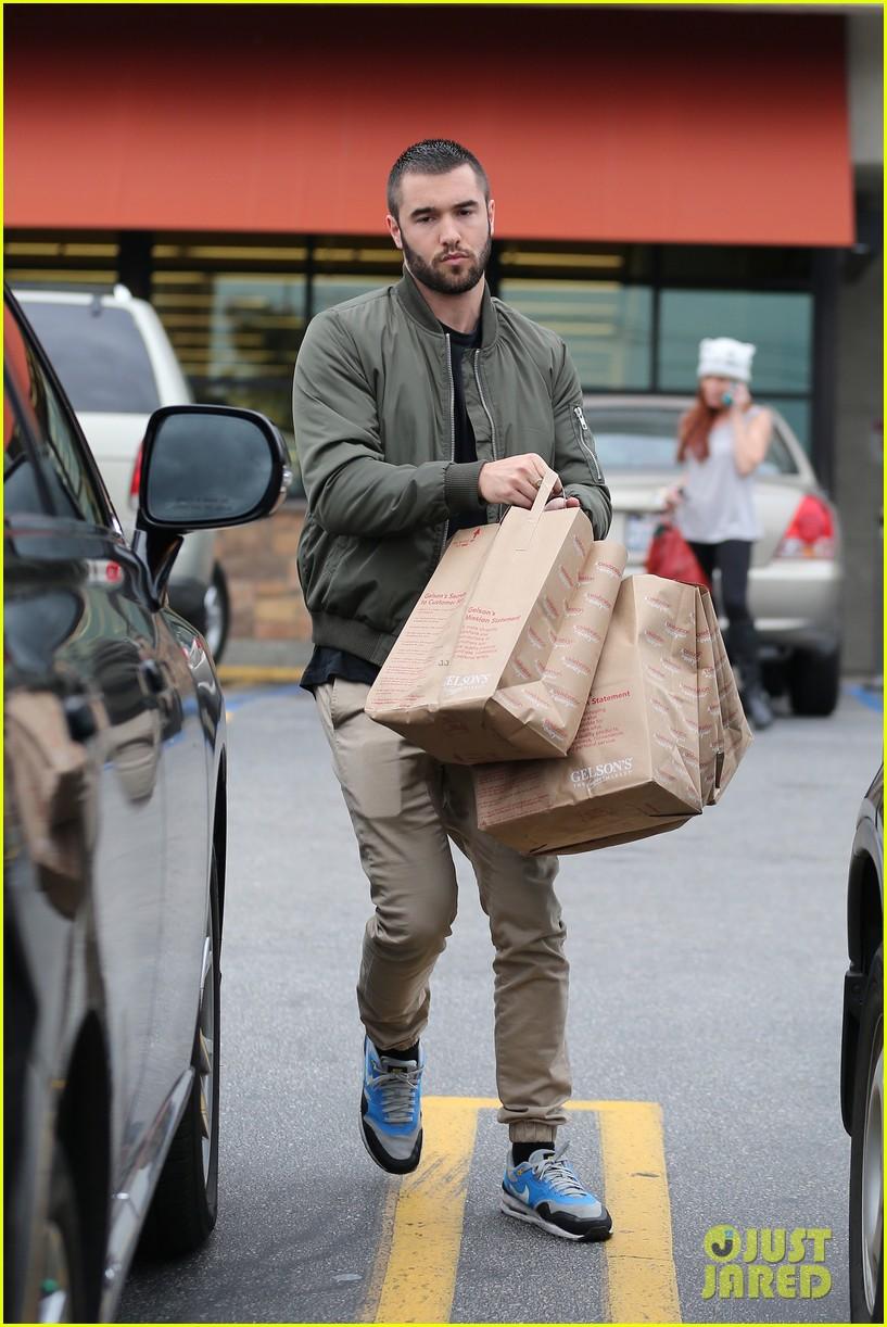 Emily VanCamp & Josh Bowman Go Shopping for Groceries ...