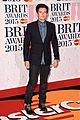 orlando bloom deremy irvine brit awards 2015 red carpet 03