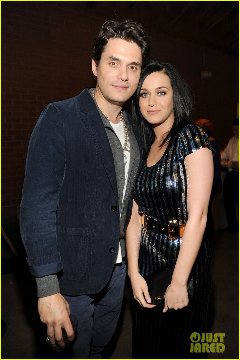 who is katy perry dating 2014