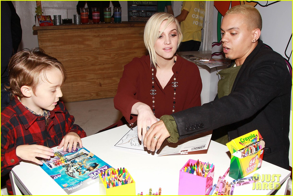 Ashlee simpson amp evan ross are expecting a baby girl photo 3296691