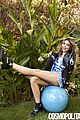 sarah hyland eight things cosmo march issue 01
