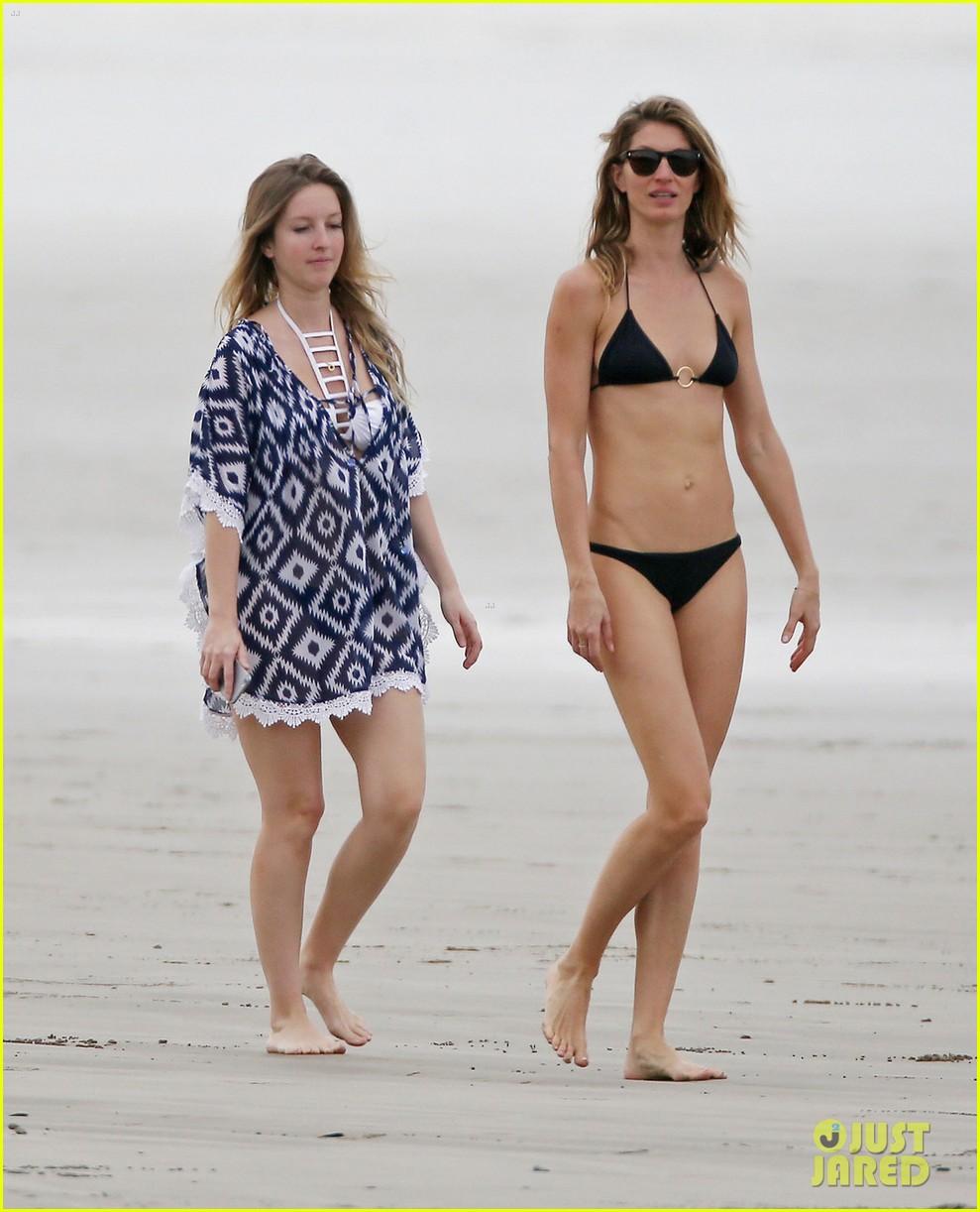 gisele bundchen shows off bikini body costa rica 013332532