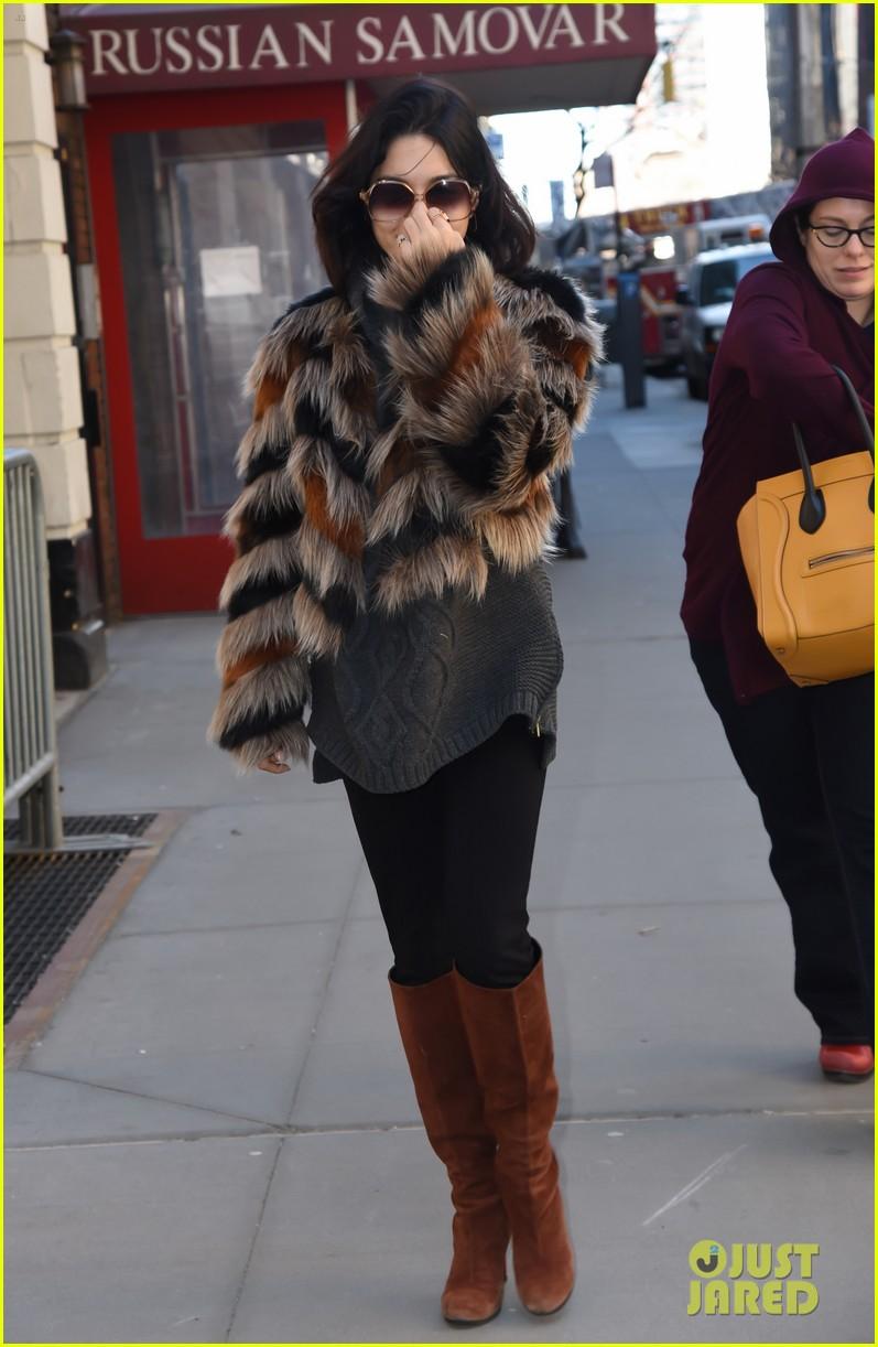 vanessa hudgens walks darla before meetings nyc 05