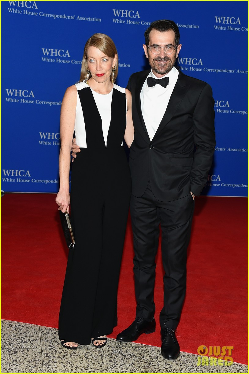 The Modern Family Cast Takes on the WHCD 2015 Photo 3355775