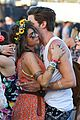 sarah hyland dominic cooper make out at coachella 05