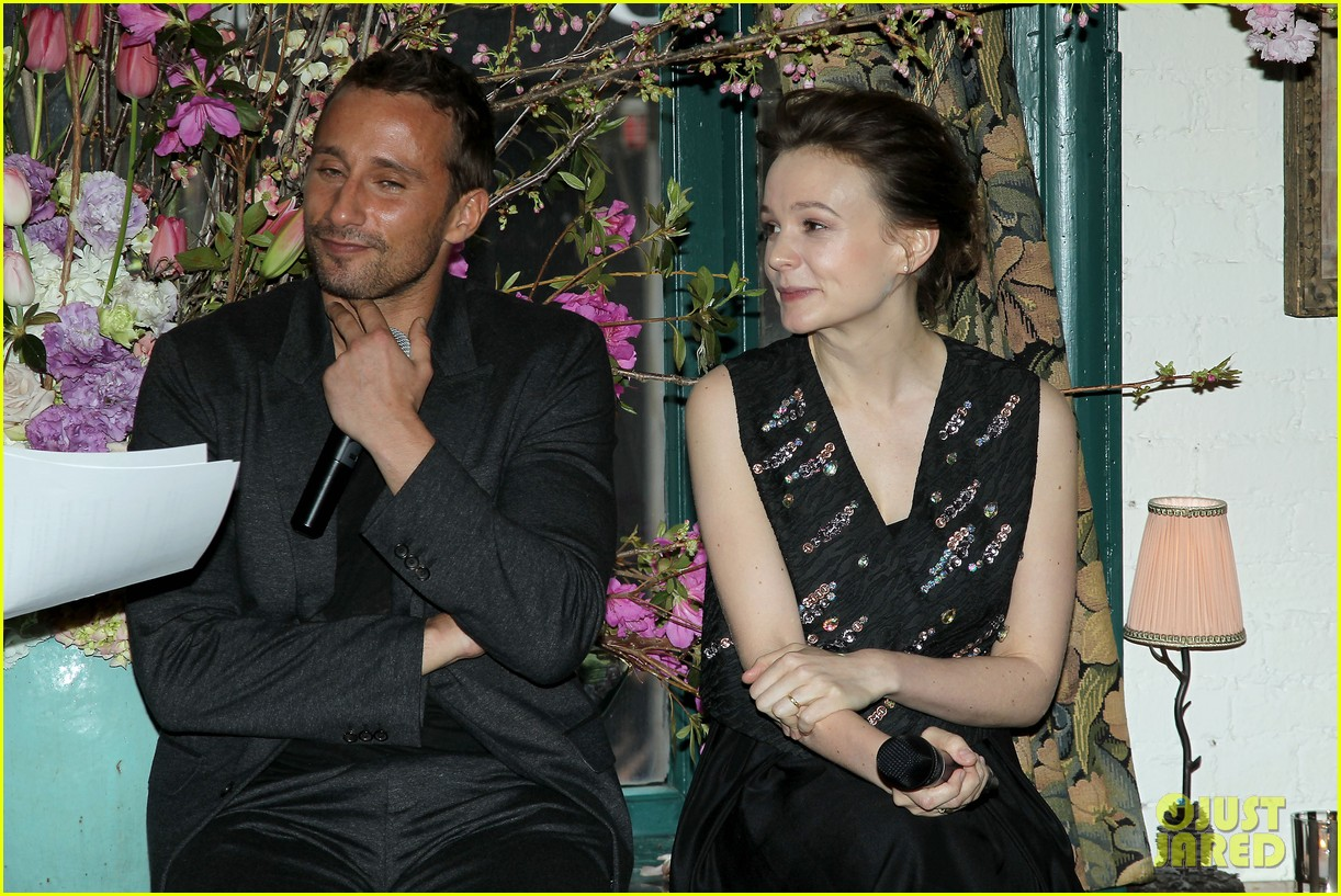 carey mulligan shows off her nyc secrets in vogue video 213352996