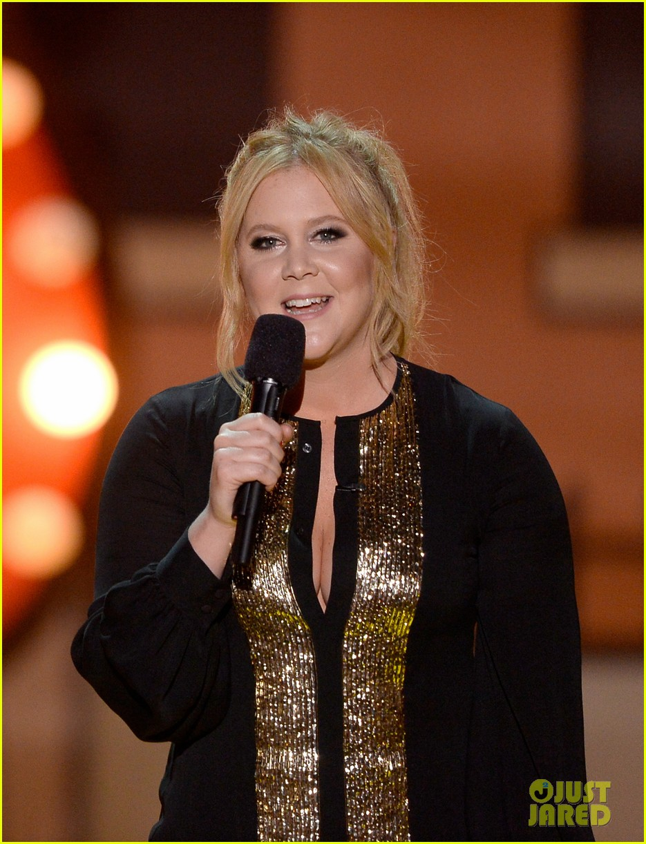 amy schumer opening mtv movie awards 2015 043345535