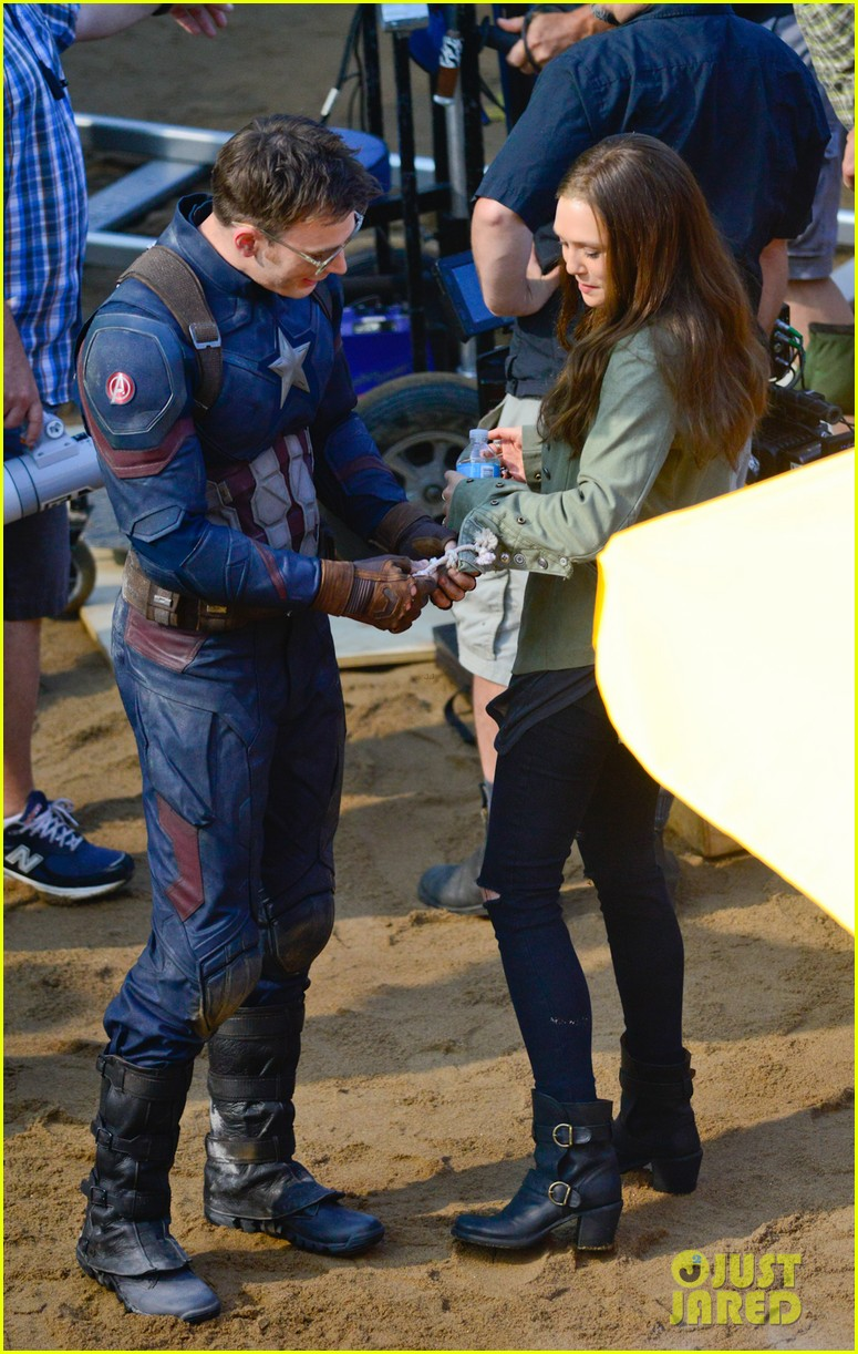 Franchise Marvel/Disney #3 Captain-america-civil-war-cast-had-great-time-on-set-20