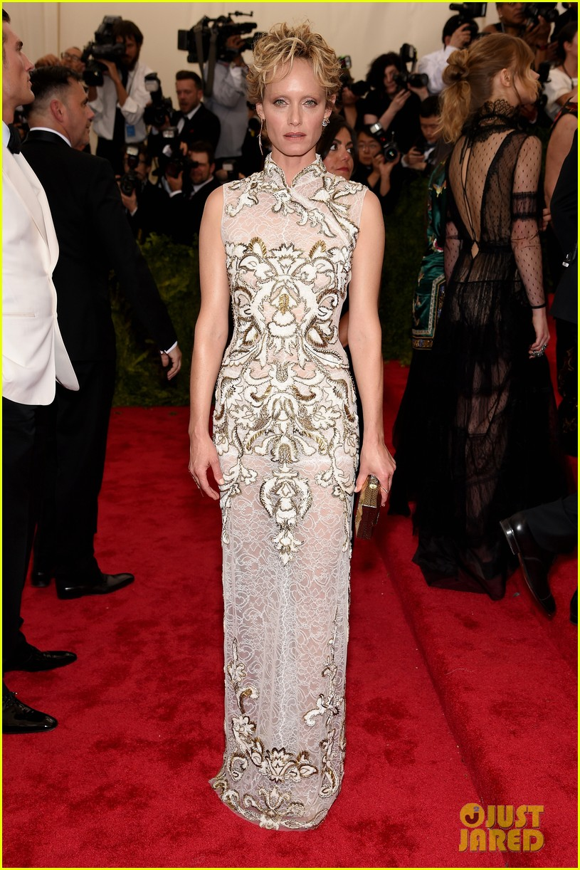 Full Sized Photo Of Joan Smalls Alexa Chung Met Gala Red Carpet 07 Photo 3363222 Just Jared