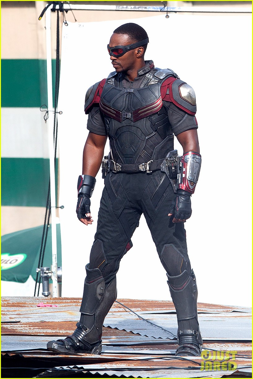 chris evans anthony mackie get to action captain america civil war 14