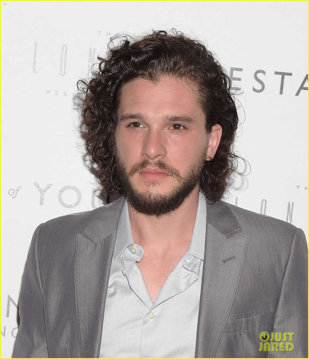 Kit Harington: Kit Harington Wore A Short Hair Wig For 'Testament Of