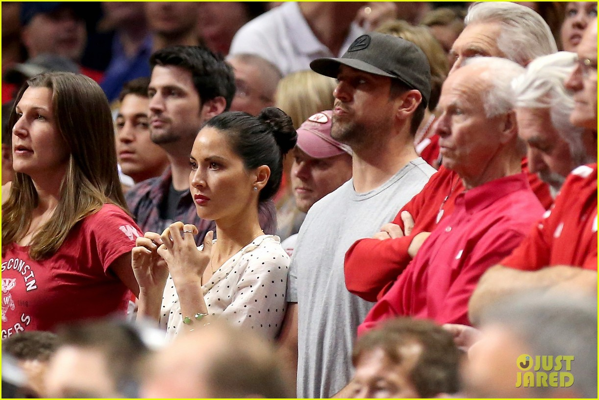 olivia munn turned down celebrity jeopardy so aaron rodgers accepted 103368386