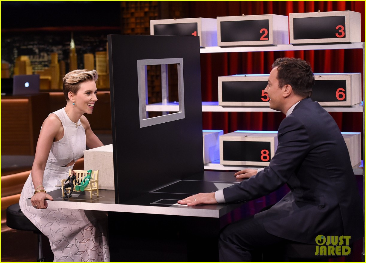 http://cdn04.cdn.justjared.com/wp-content/uploads/2015/05/scarjo-fallon/scarlett-johansson-plays-whats-in-the-box-with-jimmy-fallon-05.jpg