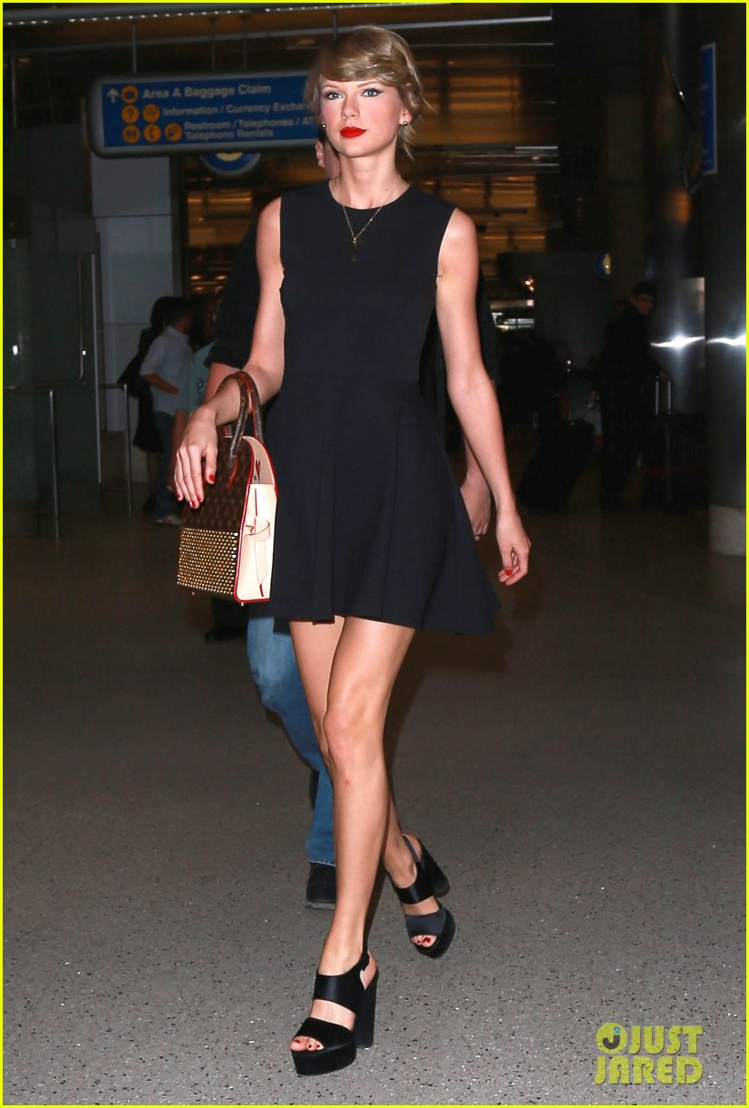 taylor swift jaime king fly to new york for met gala 05