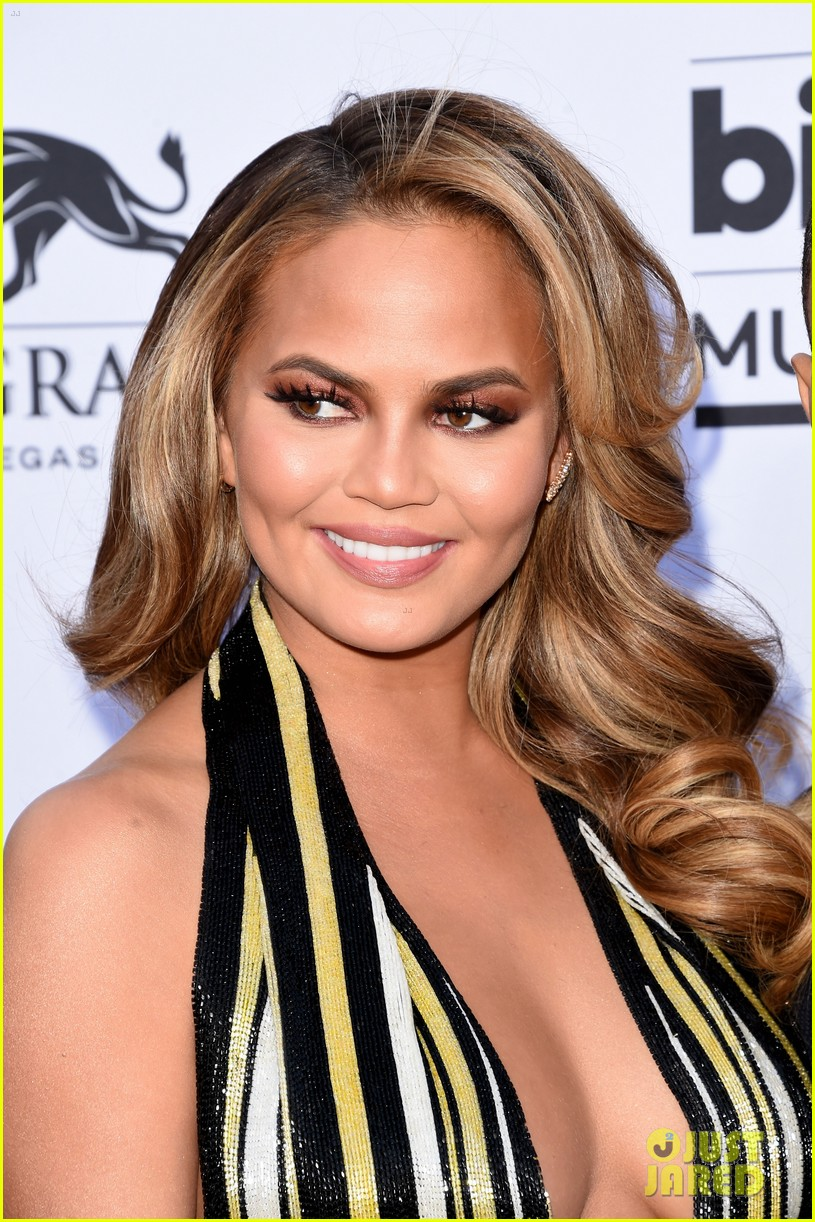 chrissy teigen john legend billboard music awards 2015 193372105