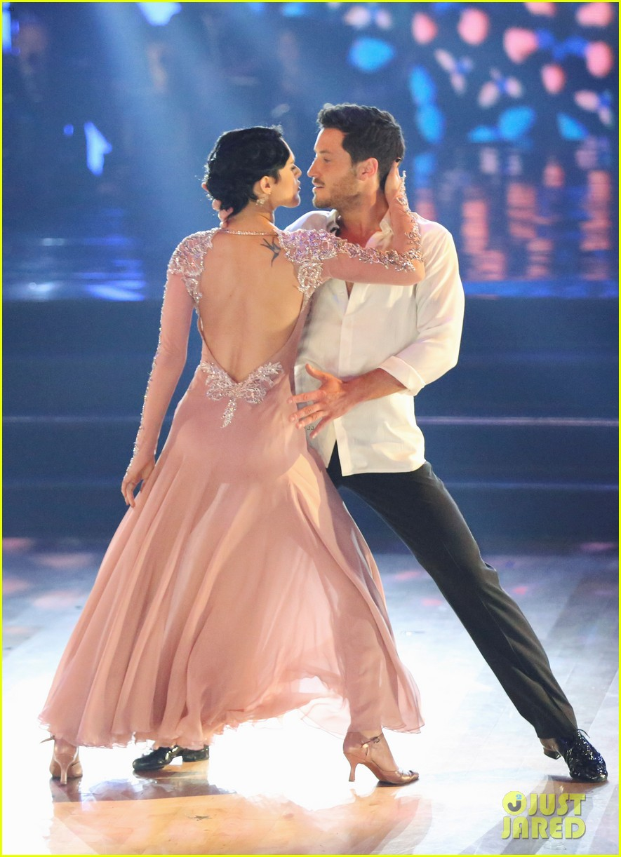 val dwts dating Valentin chmerkovskiy net worth is top 100 val chmerkovskiy or maks chmerkovskiy may have to wait until the fall season valentin chmerkovskiy dating.