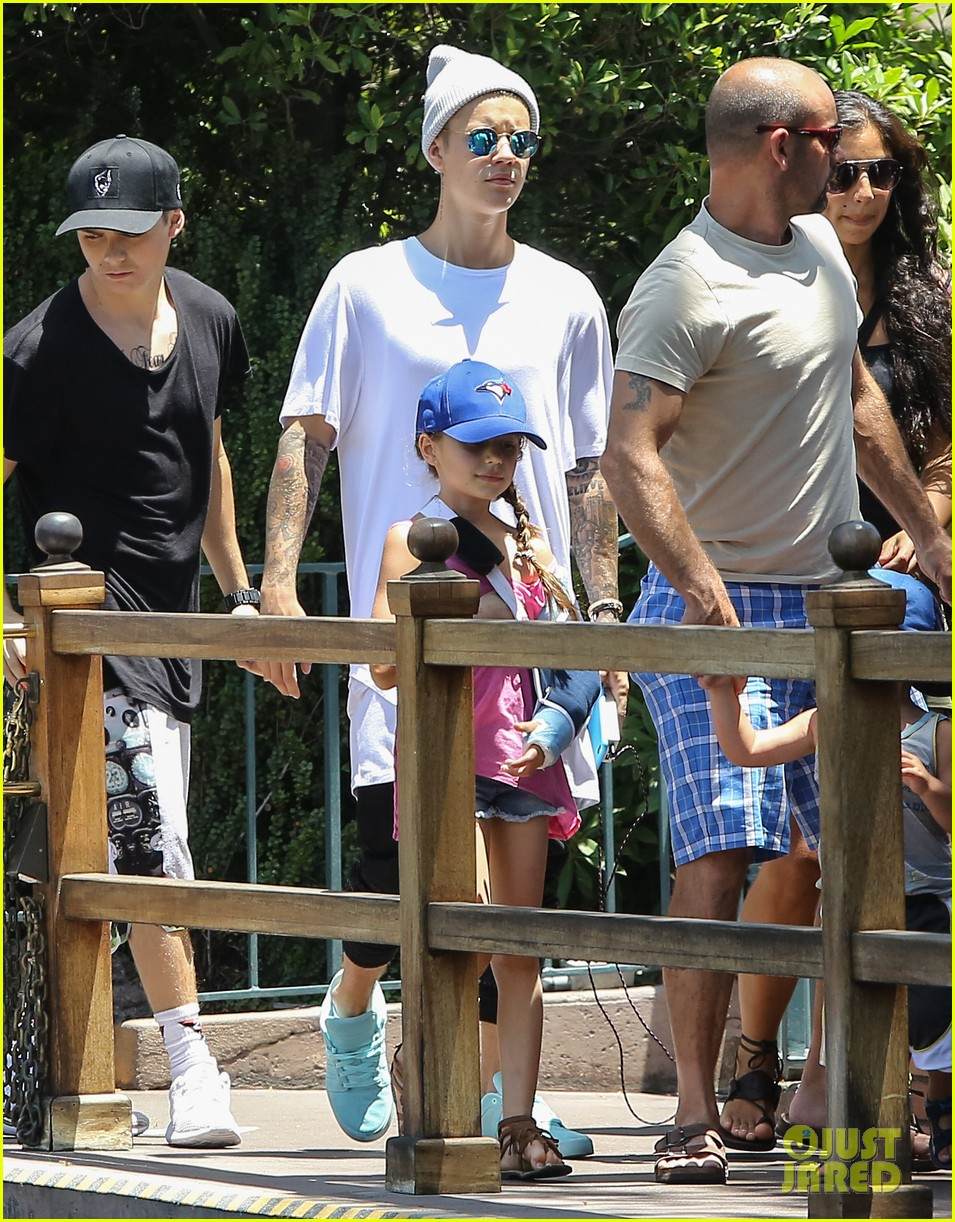 Justin bieber family 2018