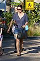 courteney cox will have daughter coco sing at wedding 08