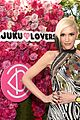 gwen stefani hosts harajuku lovers popelectric high tea 06