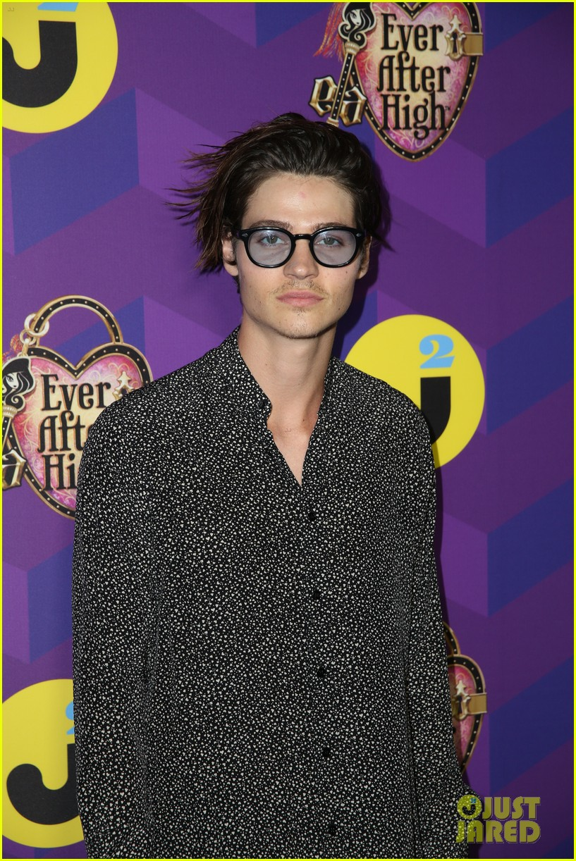 will peltz short hair