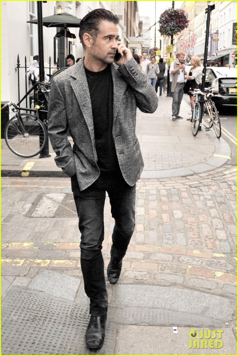 Colin Farrell Battles ... Anthony Hopkins