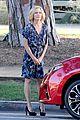 sarah hyland julie bowen hide tree modfam filming 10