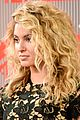 tori kelly mtv vmas carpet 08