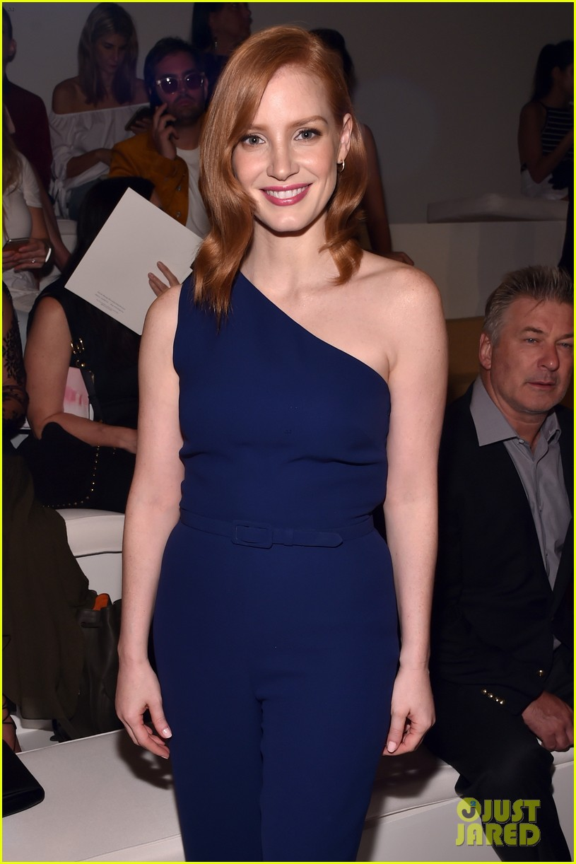 Full Sized Photo of je... Jessica Chastain