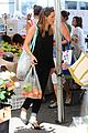 ben affleck jennifer garner all smiles at farmers market 15