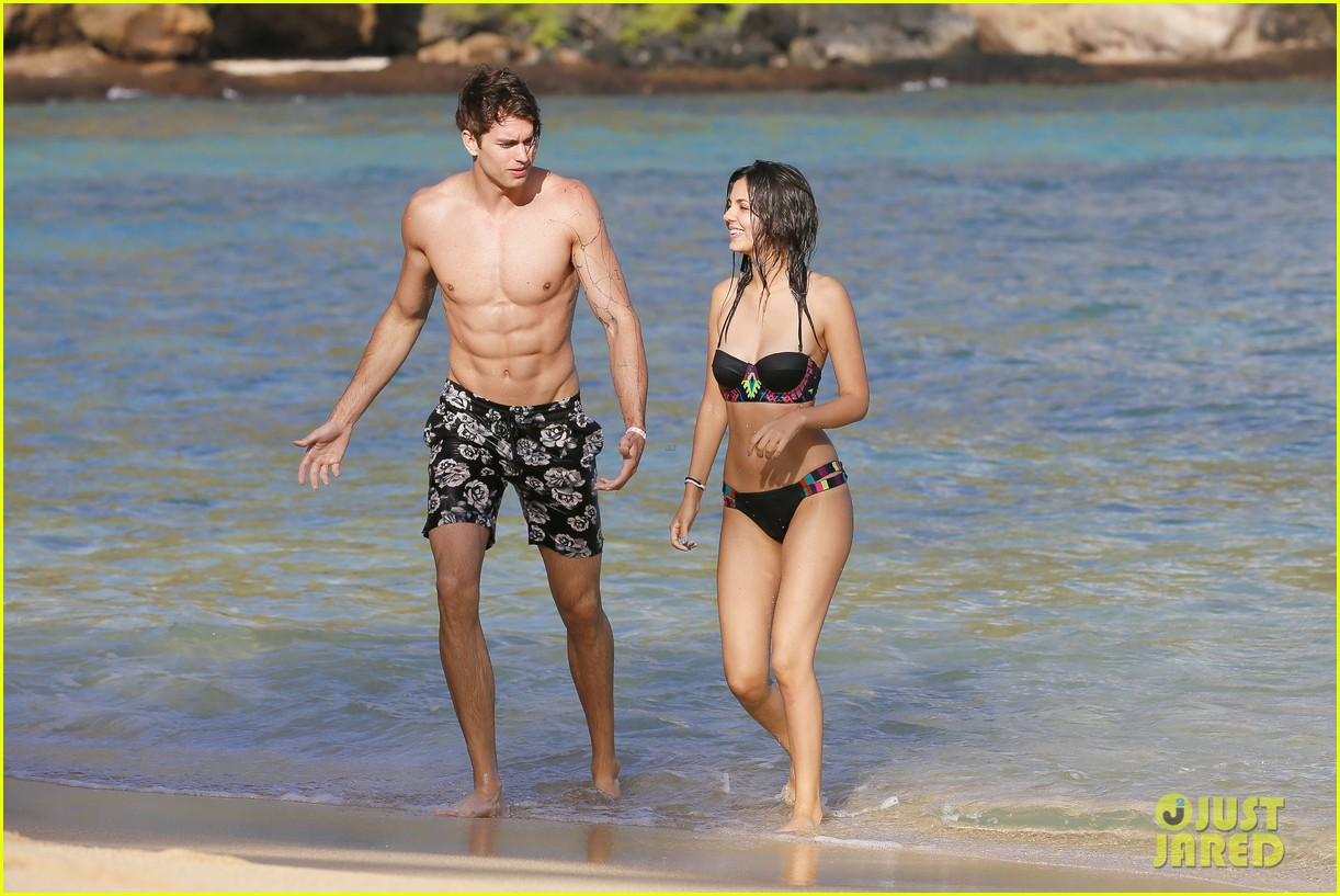 Victoria Justice Amp Pierson Fode Look So In Love On