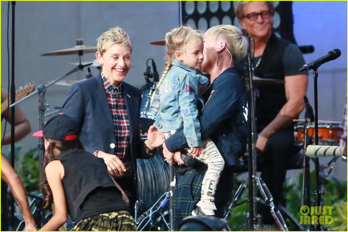 pink brings daughter willow on stage at ellen show