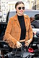 miranda kerr made a chic outfit change on her flight 08