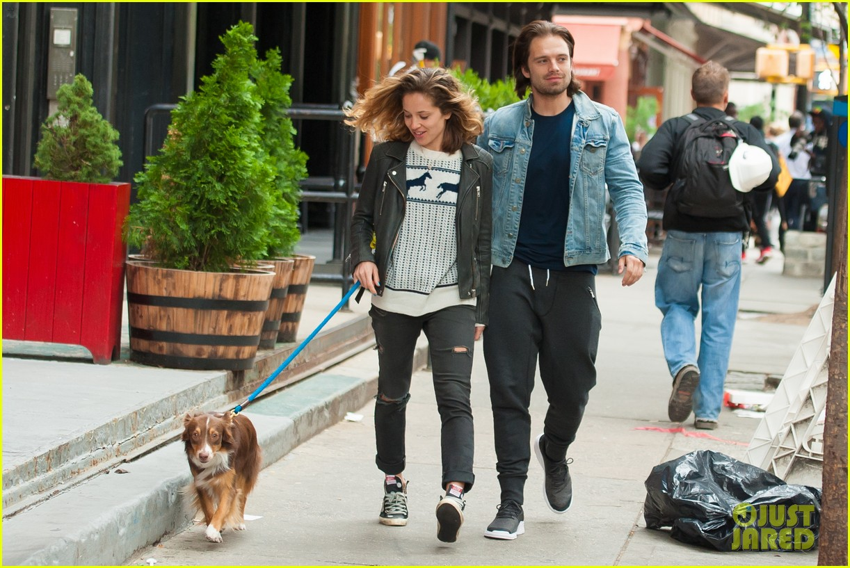 Franchise Marvel/Disney #3 Sebastian-stan-girlfriend-margarita-levieva-dog-walk-02