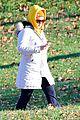 amy schumer stroll central park 07